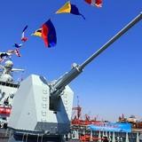 Tàu khu trục Côn Minh bám theo tàu USS Lassen?