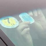Ôtô sẽ không phải dán tem nộp phí đường bộ