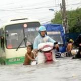 TP.HCM mưa là ngập: Bất động sản gây tội, đừng khuyên dân đóng tiền