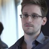 Cựu trùm CIA: Snowden phải chịu một phần trách nhiệm về vụ khủng bố ở Paris