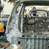 Người lao động sắp phải gánh thêm bảo hiểm tai nạn, bệnh nghề nghiệp