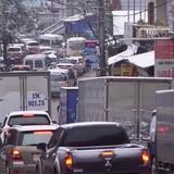 Tắc đường 10 km vì đoàn xe lên Sa Pa ngắm tuyết