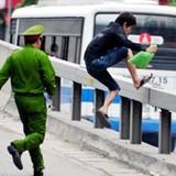 [Infographics] Vi phạm giao thông, người đi bộ bị phạt bao nhiêu?