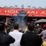 """""""Bão giá"""" trước giờ khai ấn đền Trần Nam Định"""