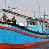 Nghi tàu nước ngoài cố tình tông chìm tàu cá Việt Nam ở Hoàng Sa