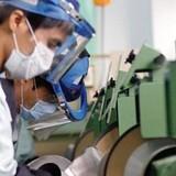 Xuất siêu nhờ công Samsung, Trung Quốc: Quá muộn để thay đổi?