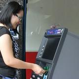 Chuyển khoản nhầm, lấy lại tiền thế nào?