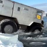 """[Video] Xe địa hình """"gấu"""" Nga dùng chinh phục Bắc Cực"""