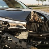 Cho khách hàng lái thử, xe BMV 5 tỷ nát đầu