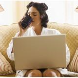 Làm việc trực tuyến, lên văn phòng làm gì?