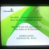 """Khách hàng phát rồ vì ATM Vietcombank """"chết"""""""