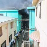 Công ty gỗ phát hỏa, hàng trăm công nhân hoảng loạn tháo chạy