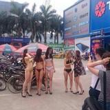 Mặc bikini quảng cáo điện máy: Sẽ xử phạt mức cao nhất