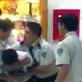 Nhân viên an ninh đánh khách Trung Quốc bị phạt 10 triệu đồng