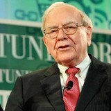 """Warren Buffett tìm """"vàng"""" từ báo cáo tài chính"""
