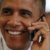 Tại sao Tổng thống Obama không được dùng iPhone?