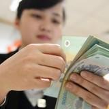 Lương thấp hơn osin nhưng hàng nghìn người vẫn mơ ước làm ngân hàng