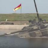 [Video] Độc đáo thao giảng xe tăng ngầm của Nga