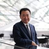 Tỷ phú Wang Jianlin: Bí quyết thành công là không tin vào sách