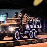 Campuchia điều xe quân sự bao vây trụ sở đảng đối lập