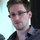 Edward Snowden cảnh báo chớ nên tin vào tin tức trên Facebook
