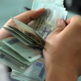 Ngân hàng phát hành trăm triệu thẻ ATM chỉ để... thu phí rút tiền