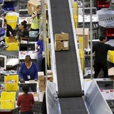 Bán hàng trực tuyến Mỹ tăng mạnh trong Lễ Tạ ơn