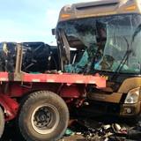 [Video] Tai nạn liên hoàn trên cao tốc Long Thành do container nổ lốp