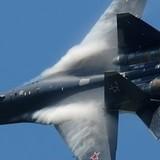 [Video] Màn trình diễn không tưởng của Su-35 trên bầu trời Paris