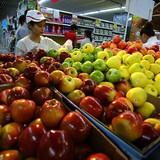 Loạn giá trái cây ngoại