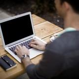 Người Việt trẻ kiếm bạc tỷ qua Internet