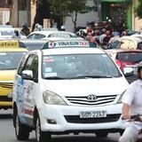 Dịch vụ taxi: Nóng trên từng cây số
