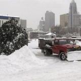 [Video] Dọn tuyết kiếm triệu USD ở Mỹ