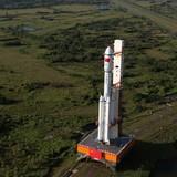 Trung Quốc phóng tàu vũ trụ chở hàng đầu tiên