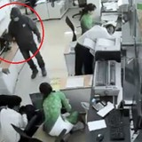 """Nhân viên ngân hàng: """"Tên cướp nạt nộ, liên tục dọa bắn"""""""