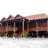 Cận cảnh ngôi nhà gỗ lim có giá 200 tỷ của đại gia Điện Biên