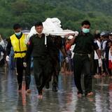 Myanmar tìm thấy 29 thi thể nạn nhân máy bay rơi