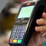 """Người dùng thẻ bị """"chặt"""" phí"""