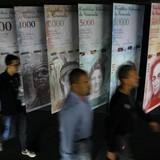 Tiền tệ Venezuela lại lao dốc không phanh