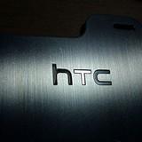 Không thể chống đỡ nổi với Samsung và Apple, HTC sắp bán mình cho Google?