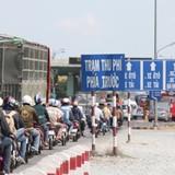 <span class='bizdaily'>BizDAILY</span> : Vì đi xe máy nên người nghèo không bị ảnh hưởng bởi trạm thu phí