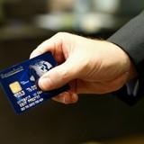 """Thanh toán kiểu """"vẫy thẻ, quẹt điện thoại"""" đổ đến Việt Nam"""