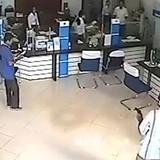 Vì sao cướp ngân hàng ngày càng nhiều và táo tợn?