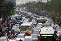 """Đi lại dịp Tết: Cảnh sát giao thông lo """"vỡ trận"""", khách sợ bị nhồi nhét"""