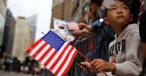 Nghèo khổ và học vấn thấp khiến người châu Á mất cơ hội nhập cư vào Mỹ?