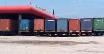"""""""Hô biến"""" đất dịch vụ cây xăng thành bãi container lậu"""