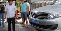 """Ông Đoàn Ngọc Hải: """"Tôi lái ôtô riêng đi bắt xe đậu vỉa hè"""""""