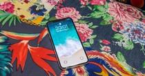 """iPhone X đang là chiếc điện thoại """"mong manh"""" nhất của Apple?"""