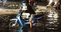 Sài Gòn mưa lớn, 20 tuyến đường ngập sâu