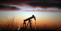 Số lượng giàn khoan ở Mỹ giảm, giá dầu tăng mạnh